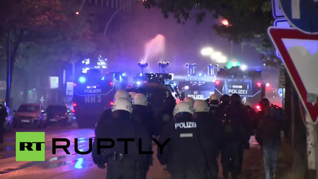 Germany: Pro-IS mob attacks Kurdish protesters with MACHETES and KNIVES