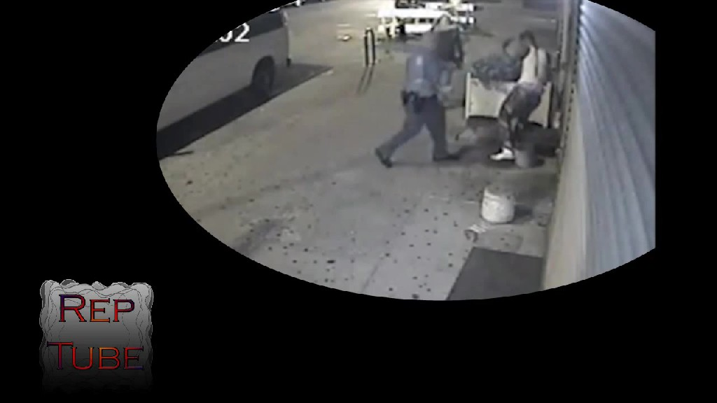 Police Officer Hits Unarmed Teen in the Face With His Gun