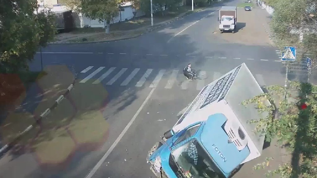 Luckiest cyclist in Russia and quite possibly the world